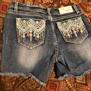 Grace in LA jean embroidered shorts